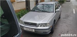Volvo v40 - imagine 1