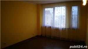 Proprietar vand apartament cu 3 camere - imagine 3