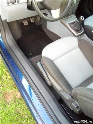 Opel astra GTC - imagine 6