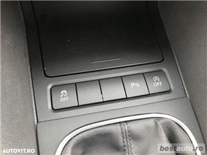 Volkswagen Golf VI / 1.6 TDi 105 CP / Navigatie RNS 510 / Tapiterie Piele Bej / Senzori de Parcare . - imagine 16