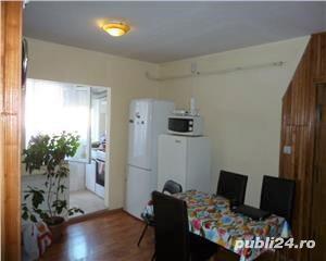 Apartament 2 camere decomandat etaj 1 Zona Carrefour Alecsandri - imagine 1