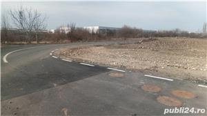 Pe strada asfaltata. Utilitatile langa parcela. - imagine 3