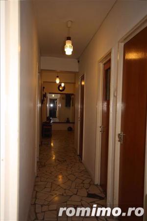 apartament cu 3 camere Calea Victoriei vis a vis de muzeul colectiilor de arta al romaniei - imagine 4
