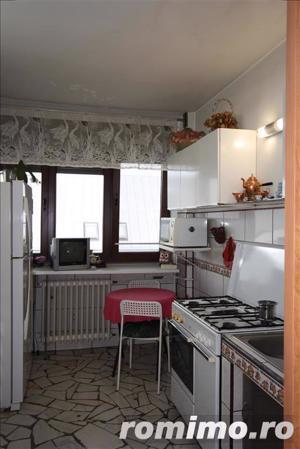 apartament cu 3 camere Calea Victoriei vis a vis de muzeul colectiilor de arta al romaniei - imagine 3