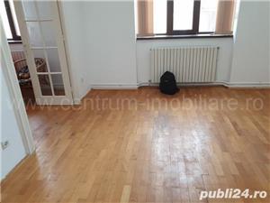 Calea Calarasilor apartament in vila centrala proprie etajul 1 - imagine 4