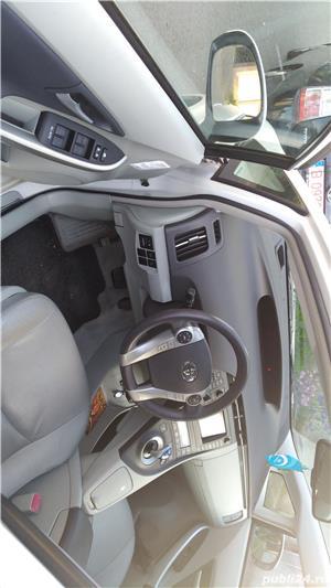 Toyota prius - imagine 11