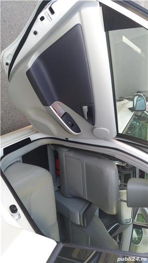Toyota prius - imagine 12