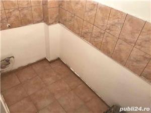 Vand apartament 2 camere cf 2 decomandat - imagine 5