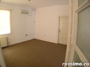 Victoriei , I.G. Duca apartament in Vila ,5 cam etaj 1 - imagine 2