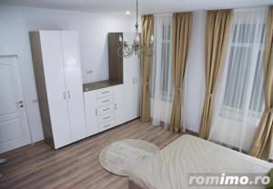 Casă / Vilă cu 21 camere de vânzare în zona Cismigiu - imagine 3