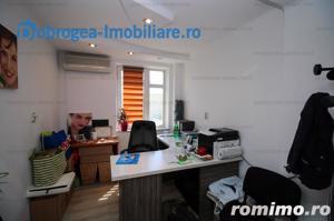 Ultracentral, Etaj 1, decomandat, locuinta sau birou - imagine 2
