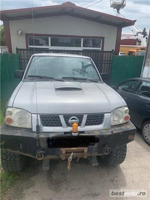 Nissan Pickup - imagine 2