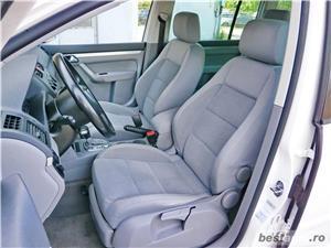 VW TOURAN - 1.6 BENZINA - 116 C.P. - CUTIE AUTOMATA - vanzare in RATE FIXE cu avans 0%. - imagine 7