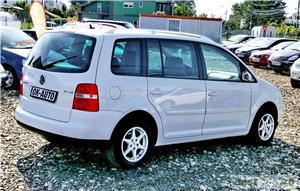 VW TOURAN - 1.6 BENZINA - 116 C.P. - CUTIE AUTOMATA - vanzare in RATE FIXE cu avans 0%. - imagine 6