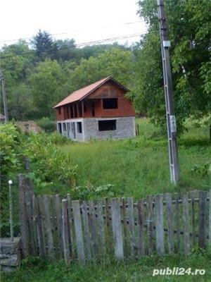 Vând casă la țară  - imagine 1