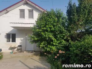 Casa familiala si casa de oaspeti pe un teren de 900 mp in Crevedia - imagine 2
