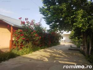 Casa familiala si casa de oaspeti pe un teren de 900 mp in Crevedia - imagine 5