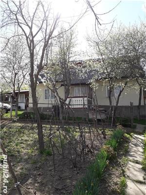Vand ( schimb cu apartament ,garsoniera) casa, teren 3582mp la Podis - imagine 1