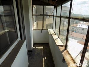 Vand apartament 3 camere in Moreni - imagine 4