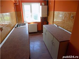 Vand apartament 3 camere in Moreni - imagine 7