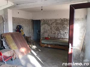 Casă / Vilă cu 3 camere de vânzare în zona Spitalul Judetean - imagine 10