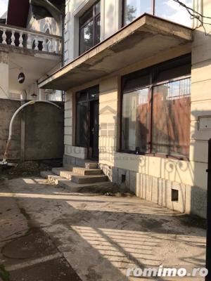 Casă / Vilă cu 3 camere de vânzare în zona Spitalul Judetean - imagine 11
