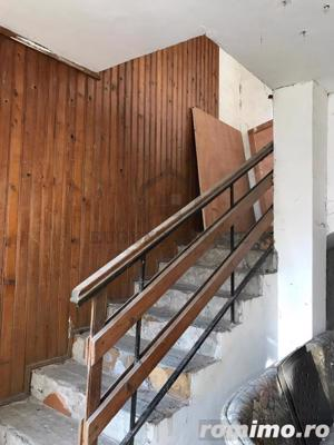 Casă / Vilă cu 3 camere de vânzare în zona Spitalul Judetean - imagine 9