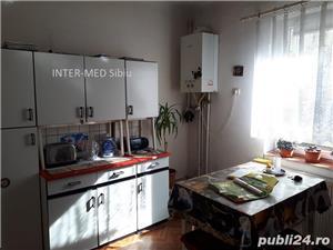Apartament Sibiu 3 camere la casa P-ta Cluj cu garaj - imagine 2