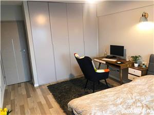 Ultracentral - Capitol - Bd.Mamaia, apartament cu 3 camere mobilat si utilat de lux - imagine 9