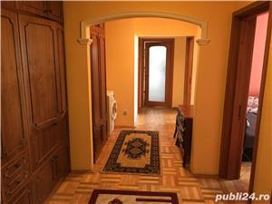 Apartament 3 camere de vanzare Centru - imagine 4