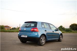 VW Golf 5 1.6 Benzina 116cp - imagine 2