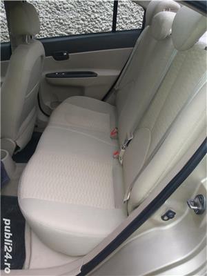 Hyundai Accent - imagine 2