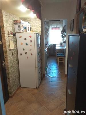 Vand  apartament cu trei camere  - imagine 10