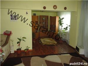 Zona A.Muresanu - Ap. cu 3 camere dec=90mp,finisat, lift, loc parcare, mobilat si utilat, izolat - imagine 1