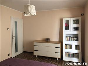 Proprietar inchiriez apartament 3 camere zona Lunei  - imagine 1