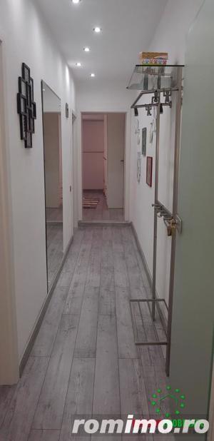 Apartament la casa cu 3 camere decomnadate de vanzare zona Centrala - imagine 5