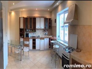 Brasov , apartament la casa  in Centrul Vechi - imagine 1