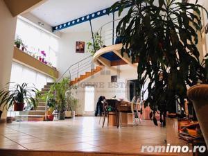 Imobil 6 camere in zona Lunei - imagine 9
