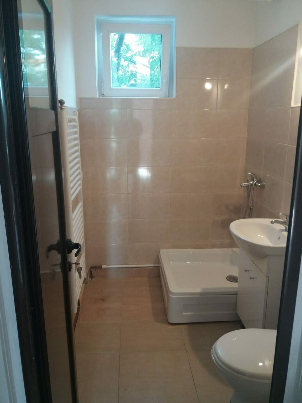 Proprietar vand apartament central 2 camere bloc de caramida et 2 - imagine 7