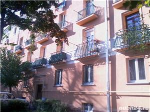 - Bloc Rusesc - Apartament de Vanzare 3 Camere - ( Bloc tip vila ) - - imagine 1