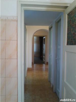 - Bloc Rusesc - Apartament de Vanzare 3 Camere - ( Bloc tip vila ) - - imagine 8