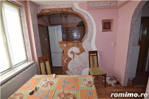 FM942 Zona Medicina, Apartament 1 camera, Decomandat - imagine 3