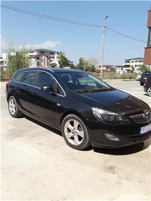 Opel Astra sports tourer - imagine 5