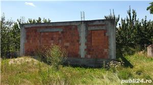 Vand Teren la Cerna, casa (proiect inceput cu fundatie si ziduri )+gradina+anexa cu casa si garaj - imagine 5