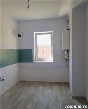Ap. cu 2 camere decomandat+ curte proprie-61.000 euro - imagine 6