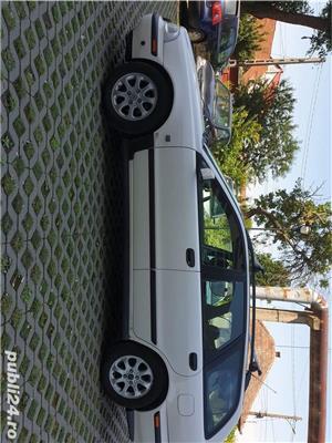Volvo V40 - imagine 6