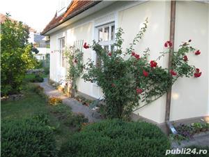 Zona Garii - 2 apartamente la casa , parter si mansarda, teren aferent fiecarui apartament - imagine 9