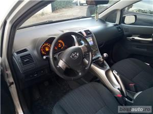 Toyota auris - imagine 10