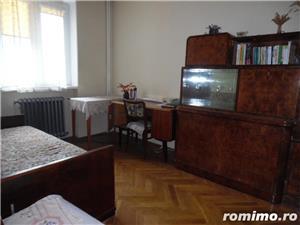 Apartament 4 camere decomandat cu GARAJ si BOXA sub bloc - imagine 1