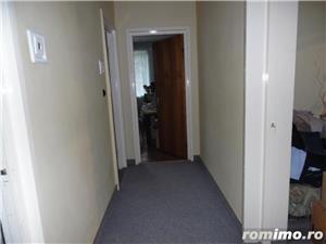 Apartament 4 camere decomandat cu GARAJ si BOXA sub bloc - imagine 5